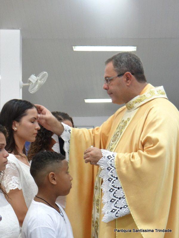 Vigília Pascal e Batismo de Crismandos e Catequisandos Comunidade de São José Operário village